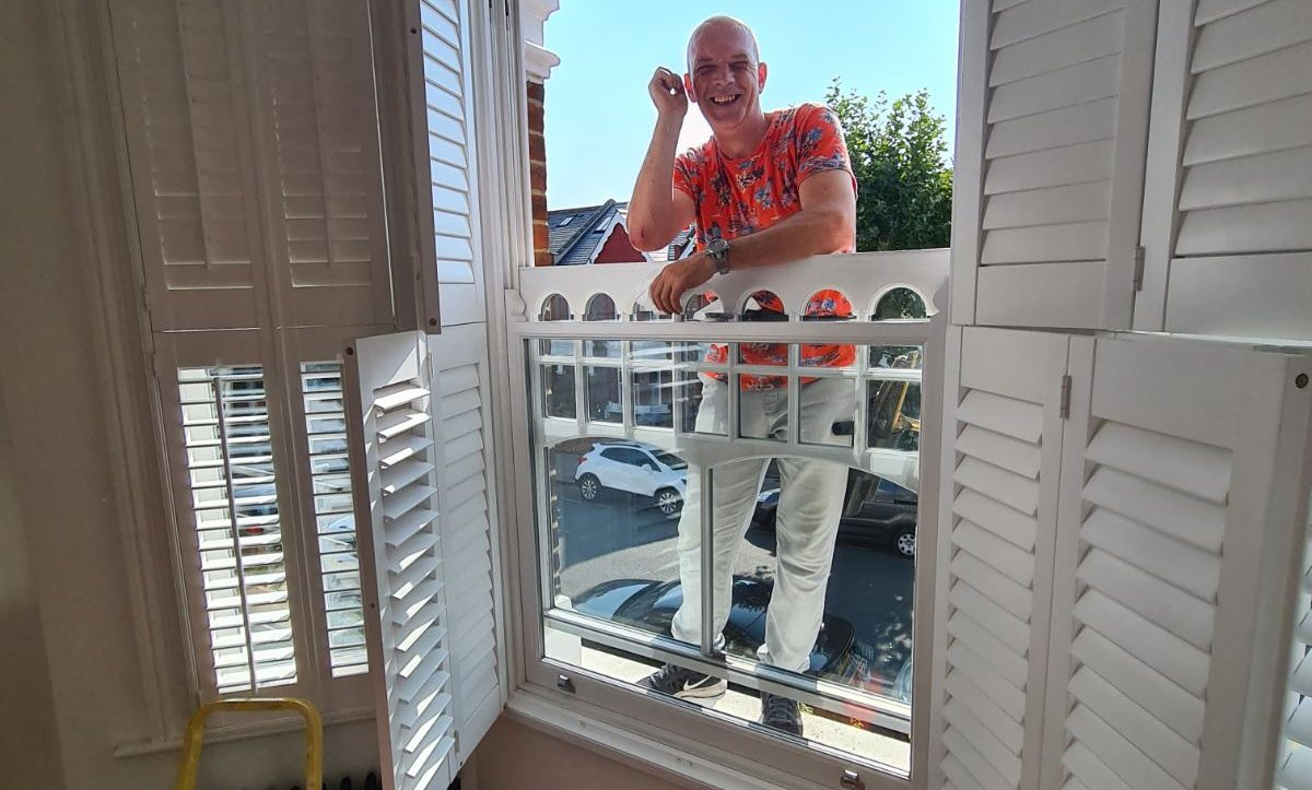 manual window cleaning